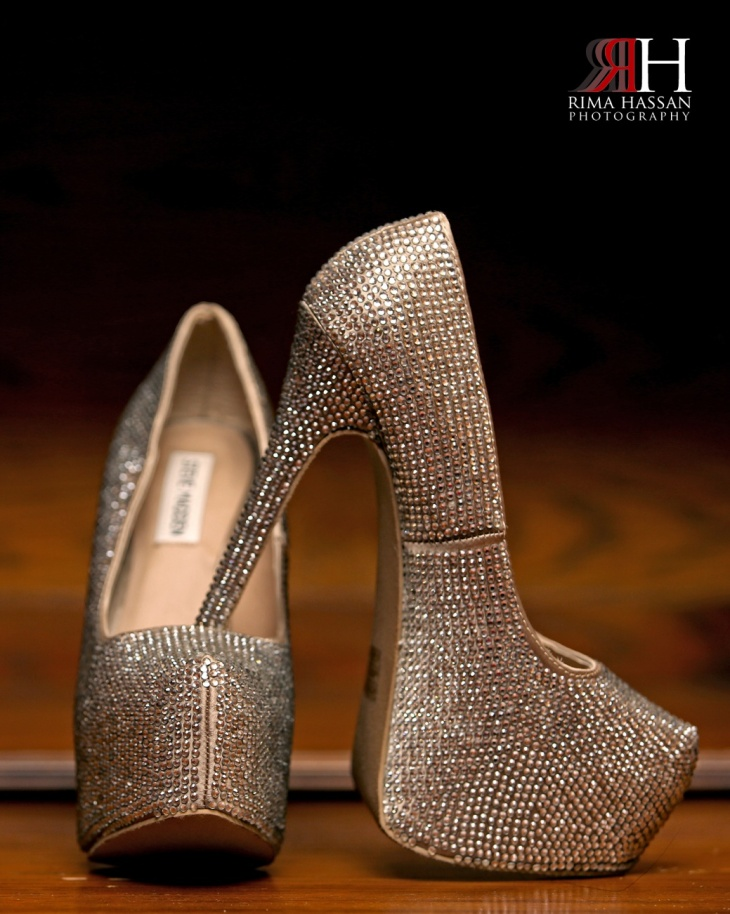 AbuDhabi_Wedding_Photography_Dubai_UAE_Photographer_Rima_Hassan_bride_shoes_SteveMadden