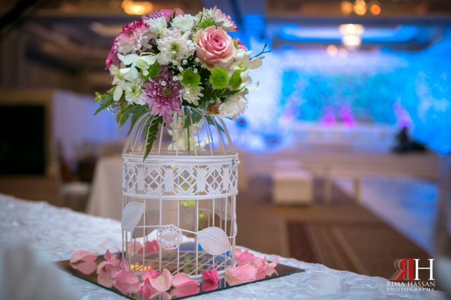 Crowne_Plaza_Wedding_Dubai_UAE_Photographer_Rima_Hassan_centerpiece_decoration