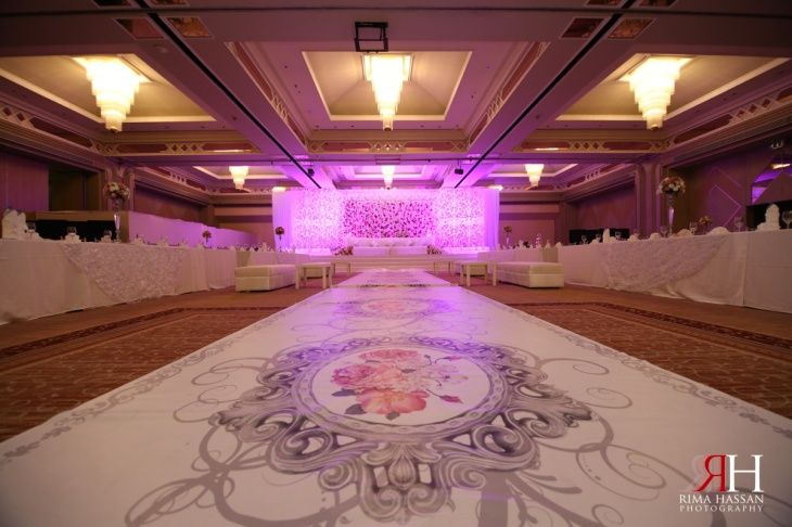 Crowne_Plaza_Wedding_Dubai_UAE_Photographer_Rima_Hassan_kosha_stage_decoration