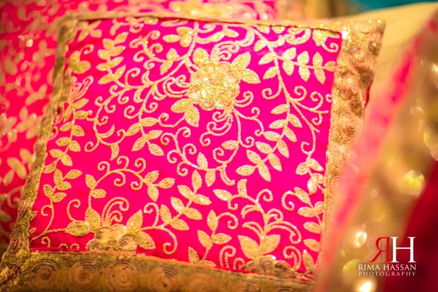 Amna-Saleh_Engagement_Dubai_Wedding_Photographer_Rima_Hassan_decoration_cushion