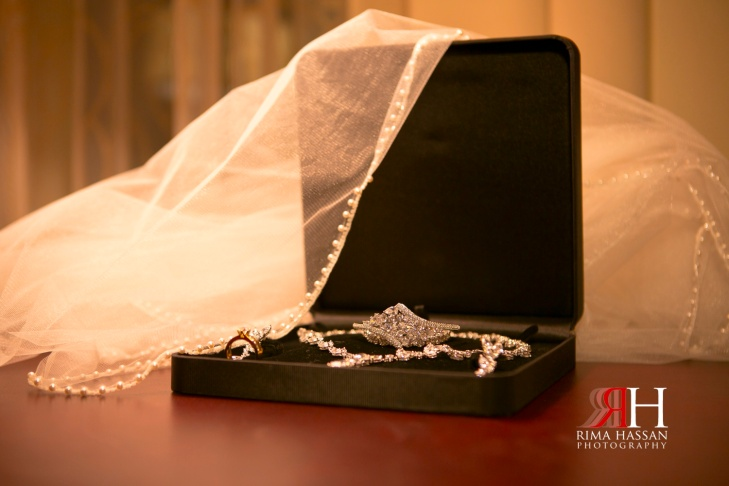 Marriot_Dubai_Wedding_Photographer_Rima_Hassans_jewelry-veil