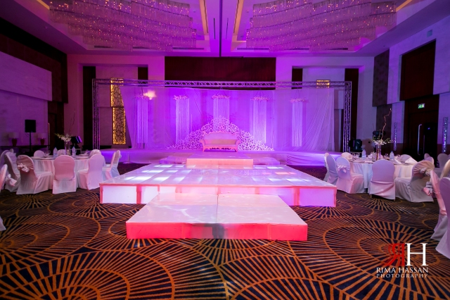 Marriot_Dubai_Wedding_Photographer_Rima_Hassans_kosha_decoration