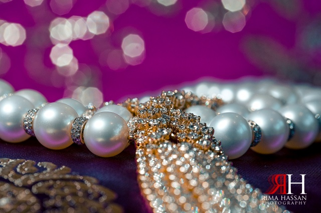 Jumeirah_Dubai_Wedding_Photographer_Rima_Hassan_necklace_bridal