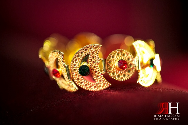 Engagement_photography_milcha_Wedding_Photographer_Dubai_UAE_Rima_Hassan_bracelet_gold