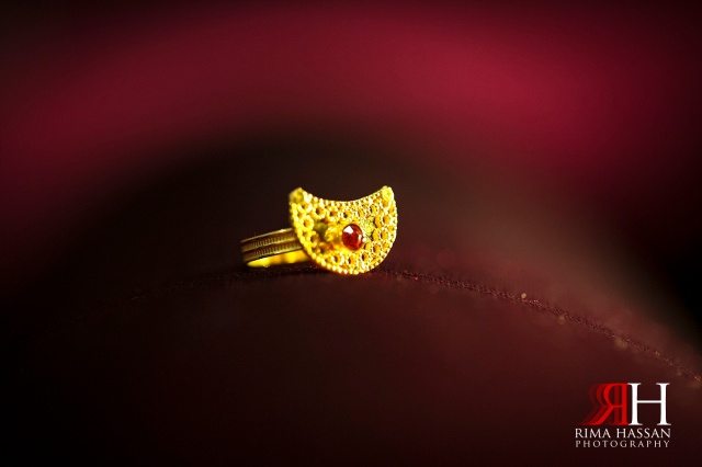 Engagement_photography_milcha_Wedding_Photographer_Dubai_UAE_Rima_Hassan_gold_ring