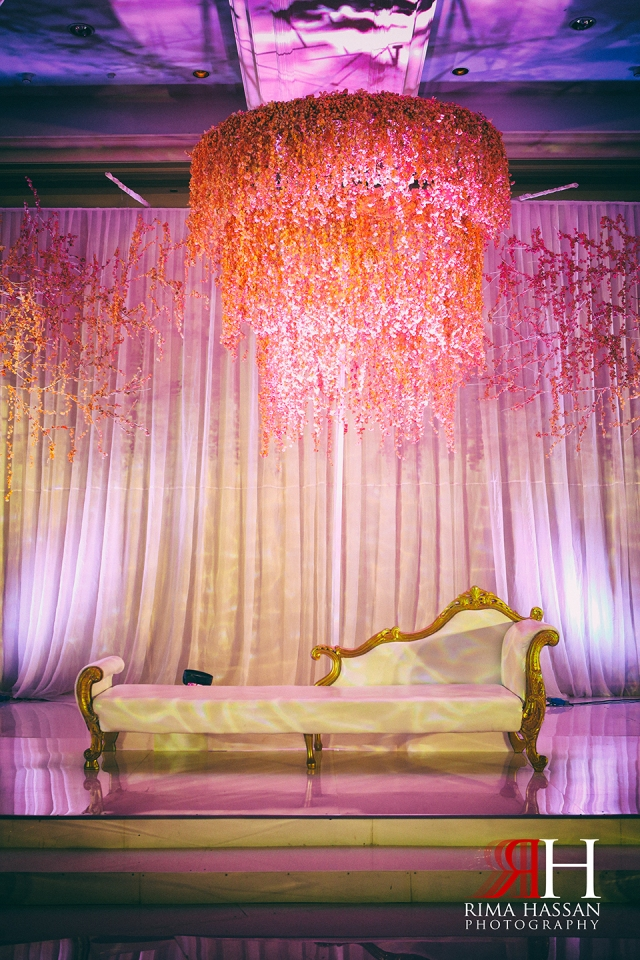 Wedding_Photographer_Dubai_UAE_Rima_Hassan_decoration_kosha_dream_wedding_stage