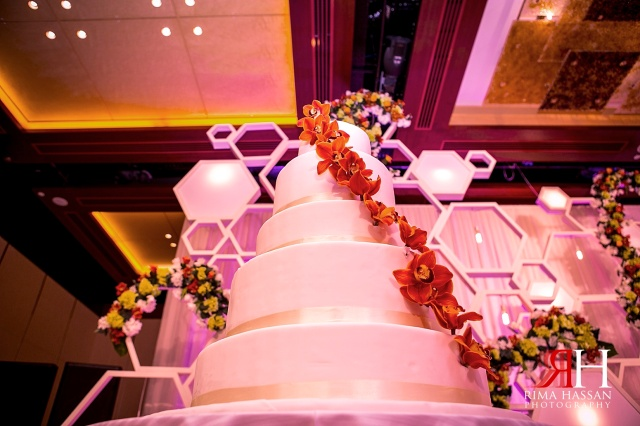 Intercontinental_photography_Wedding_Female_photographer_Dubai_UAE_Rima_Hassan_kosha_decoration_dream_services_cake