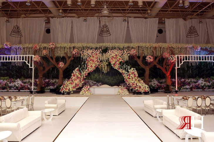 Al_Ain_Wedding_Photography_Female_photographer_Dubai_UAE_Rima_Hassan_stage_decoration_kosha_klassna