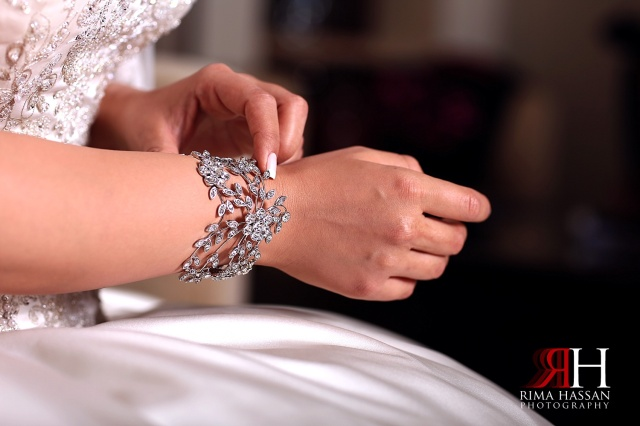 Crowne_Plaza_Wedding_Photography_Female_photographer_Dubai_UAE_Rima_Hassan_getting_Ready