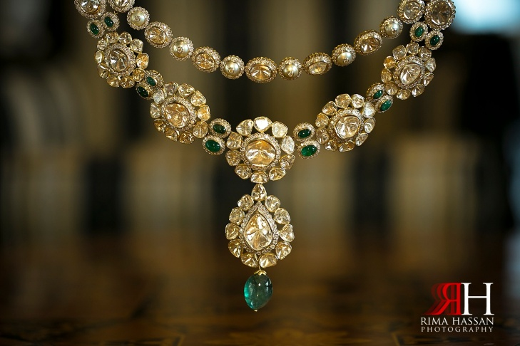 Madinat_Jumeirah_Wedding_Female_photographer_Dubai_UAE_Rima_Hassan_Pakistani_bridal_jewelry_necklace