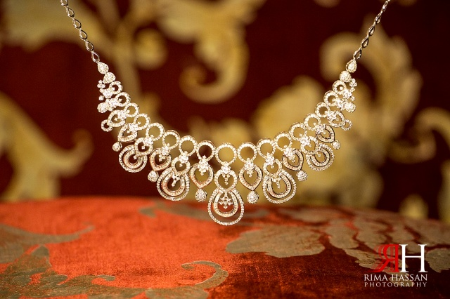 Al-Boom-Village_Wedding_Female_photographer_Dubai_UAE_Rima_Hassan_photography_bridal_jewelry_diamond_necklace