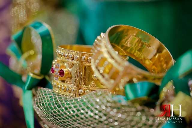 Henna_Wedding_Female_photographer_Dubai_UAE_Rima_Hassan_bridal_gold_jewelry_bracelet