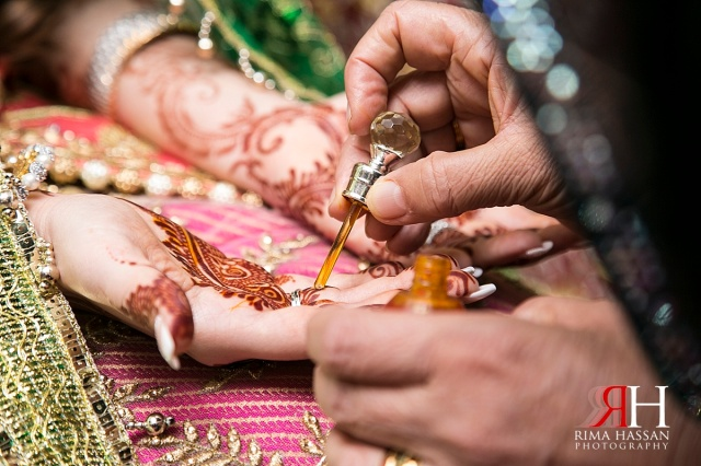 Henna_Photography_Dubai_Female_Wedding_Photographer_UAE_Rima_Hassan_indian_theme_traditional_bridal_dress_rituals_rasm