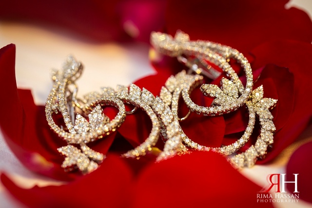 InterContinental_Festival_Dubai_Wedding_Female_Photographer_UAE_Rima_Hassan_stage_bridal_jewelry_diamond_earring