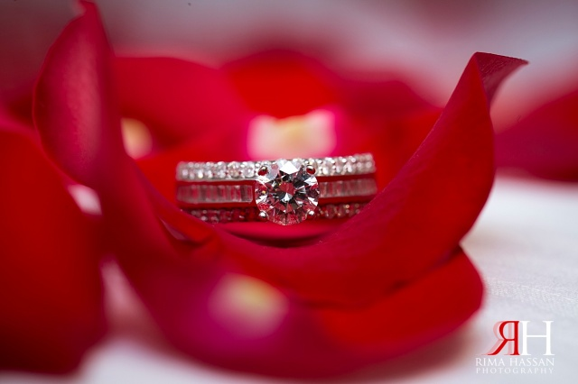 InterContinental_Festival_Dubai_Wedding_Female_Photographer_UAE_Rima_Hassan_stage_bridal_jewelry_diamond_ring_band