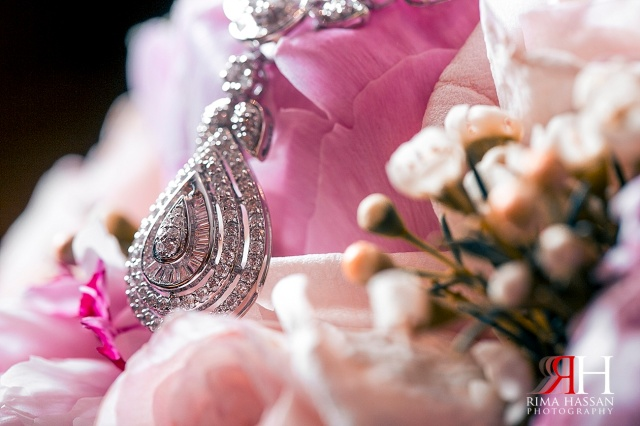 Trade_Center_Dubai_Wedding_Female_Photographer_UAE_Rima_Hassan_diamond_bridal_jewelry_necklace