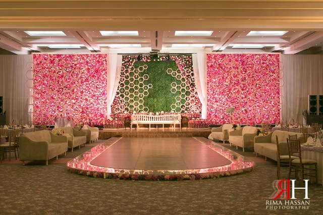Sharjah_Ladies_Club_Wedding_Female_Photographer_Dubai_UAE_Rima_Hassan_Dream_Services_kosha_decoration_stage