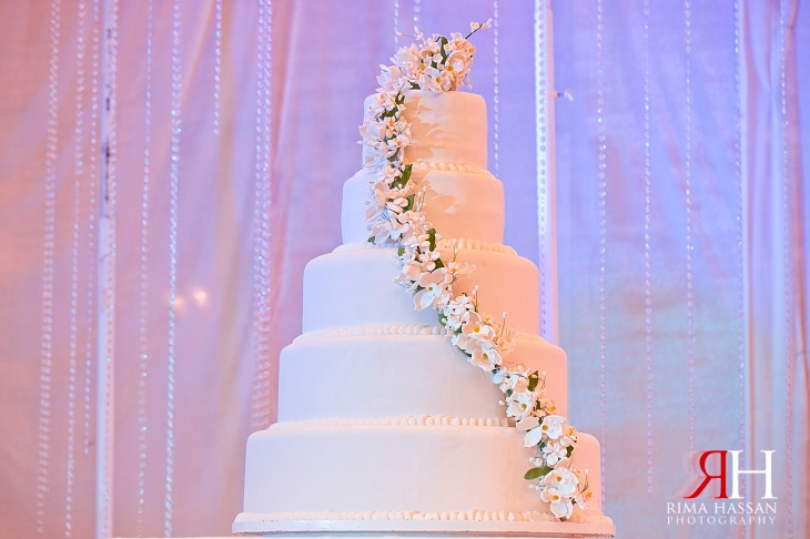 World_Trade_Center_Dubai_Wedding_Female_Photographer_UAE_Rima_Hassan_kosha_stage_decoration_cake