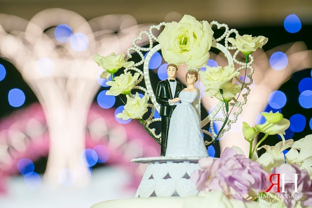 Saint_Regis_Abu-Dhabi_Wedding_Female_Photographer_Dubai_UAE_Rima_Hassan_kosha_decoration_stage_cake_topper
