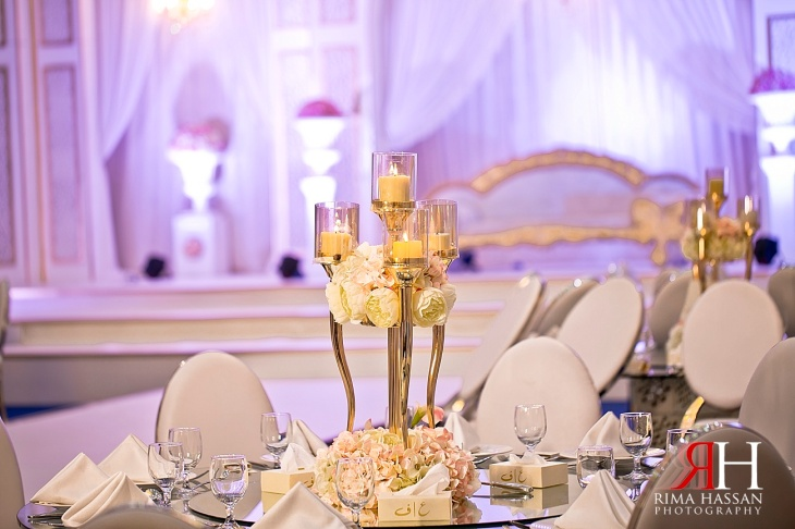 AL-Boom-Village_Wedding_Female_Photographer_Dubai_UAE_Rima_Hassan_kosha_decoration_stage_centerpiece