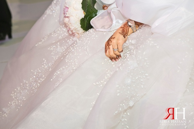 Grand_Hyatt_Dubai_Wedding_Female_Photographer_UAE_Rima_Hassan_bride-waiting