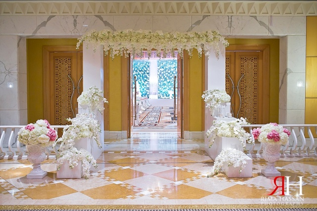 Grand_Hyatt_Dubai_Wedding_Female_Photographer_UAE_Rima_Hassan_kosha_decoration_stage_klassna_entrance