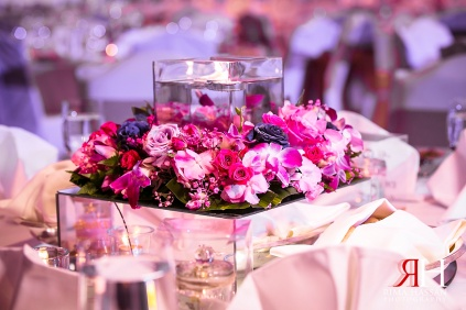 Grand_Hyatt_Wedding_Female_Photographer_Dubai_UAE_Rima_Hassan_kosha_decoration_stage_centerpieces3
