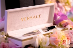 Markaz_Rasool_Engagement_Female_Photographer_Dubai_UAE_Rima_Hassan_decoration_versace_pen_gift
