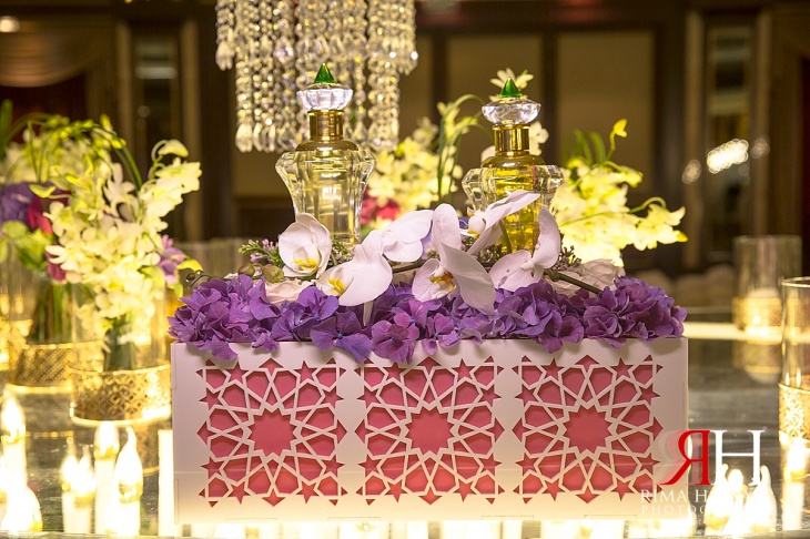 Al-Ain_Rotana_Wedding_Female_Photographer_Dubai_UAE_Rima_Hassan_kosha_decoration_perfume_table_stage