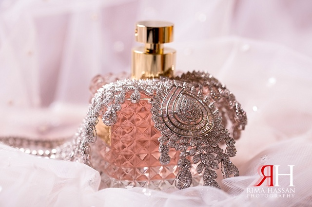 Al-Ain_Rotana_Wedding_Female_Photographer_Dubai_UAE_Rima_Hassan_kosha_decoration_stage_bride_jewelry_necklace