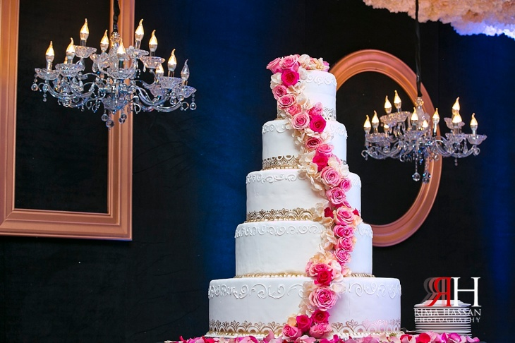 Bustan_Rotana_Female_Wedding_Photographer_Dubai_UAE_Rima_Hassan_kosha_decoration_stage_cake
