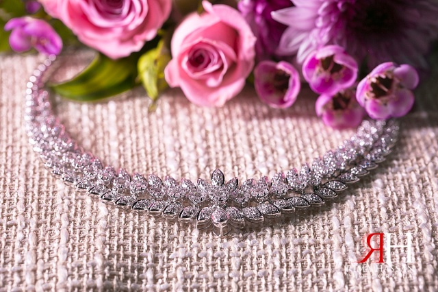Engagement_Mirdif_Wedding_Female_Photographer_Dubai_UAE_Rima_Hassan_necklace