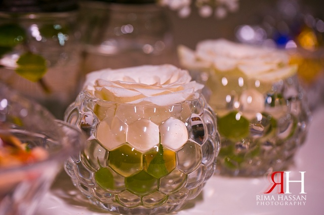 Engagement_Mirdif_Wedding_Female_Photographer_Dubai_UAE_Rima_Hassan_table-flower