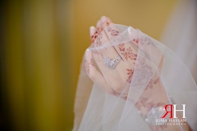 Crowne_Plaza_Wedding_Female_Photographer_Dubai_UAE_Rima_Hassan_bridal_henna_veil