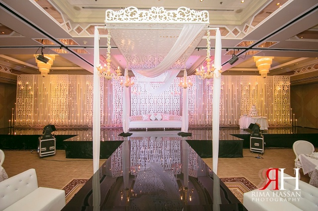Crowne_Plaza_Wedding_Female_Photographer_Dubai_UAE_Rima_Hassan_kosha_stage_decoration