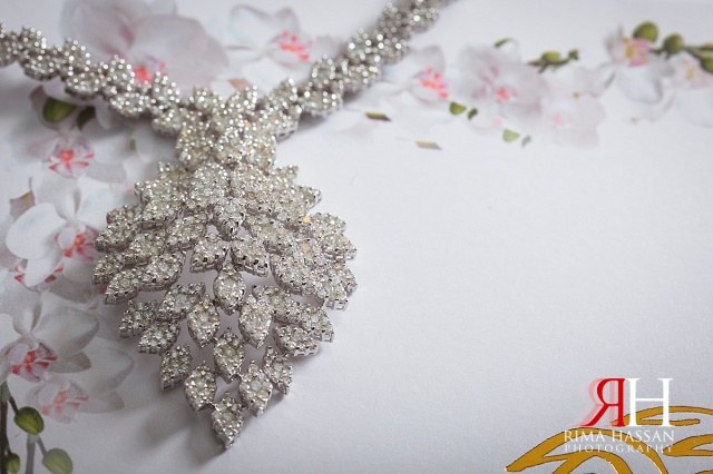 Jumeirah_Beach_Hotel_Wedding_Female_Photographer_Dubai_UAE_Rima_Hassan_bridal_jewelry_diamond_necklace