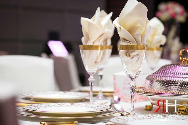 Aloft_Abu-Dhabi_Wedding_Female_Photographer_Dubai_UAE_Rima_Hassan_kosha_stage_decoration_table_setup