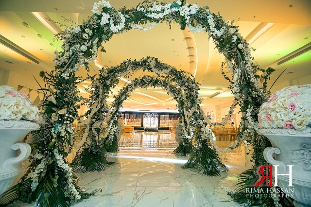 Wedding_Female_Photographer_Dubai_UAE_Rima_Hassan_stage_kosha_decoration_entrance