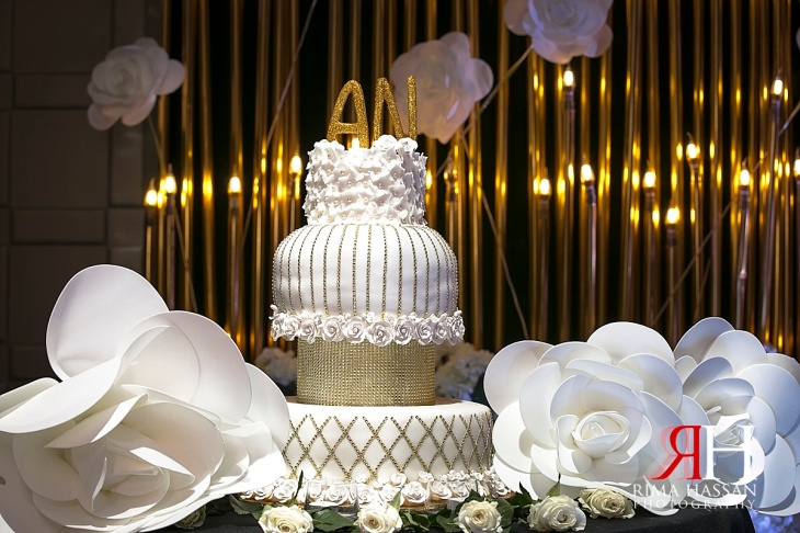 Hyatt_Regency_Creek_Wedding_Female_Photographer_Dubai_UAE_Rima_Hassan_kosha_decoration_stage_cake