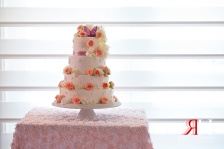Wedding_Female_Photographer_Dubai_UAE_Rima_Hassan_cake