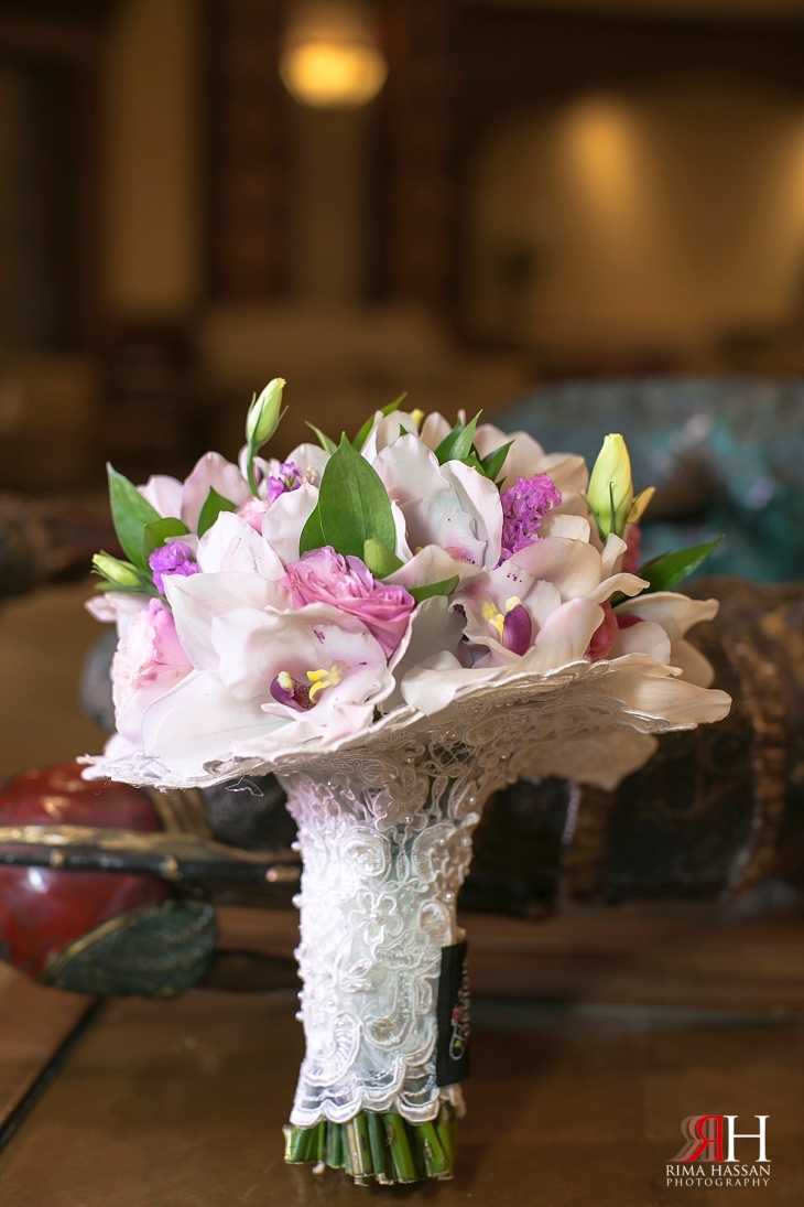 Dubai_Trade_Center_Wedding_Female_Photographer_UAE_Rima_Hassan_bridal_bouquet_fiore