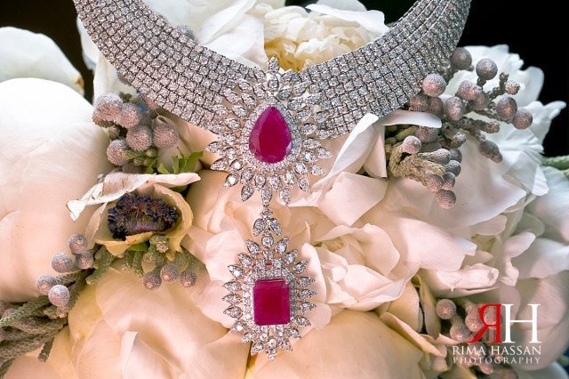 Madinat_Jumeirah_Wedding_Female_Photographer_Dubai_UAE_Rima_Hassan_bridal_jewelry_necklace