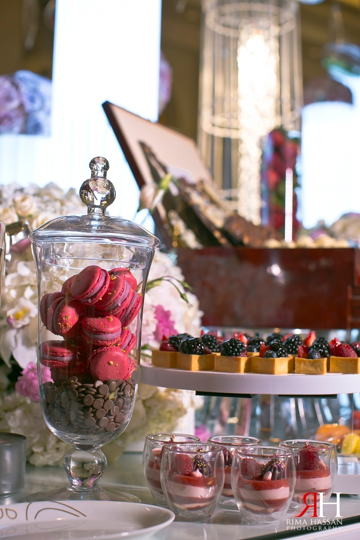 Madinat_Jumeirah_Wedding_Female_Photographer_Dubai_UAE_Rima_Hassan_kosha_stage_decoration_desser_candies