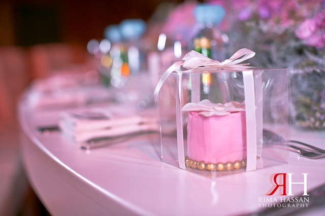 Madinat_Jumeirah_Wedding_Female_Photographer_Dubai_UAE_Rima_Hassan_kosha_stage_decoration_giveaways
