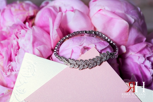Palazzo_Versace_Wedding_Female_Photographer_Dubai_UAE_Rima_Hassan_bride_jewelry_bracelet