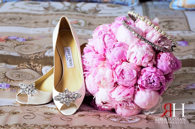 Palazzo_Versace_Wedding_Female_Photographer_Dubai_UAE_Rima_Hassan_bride_shoe_jimmy_choo