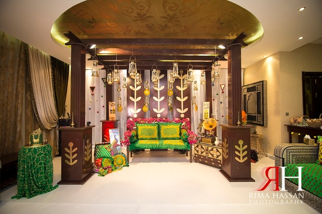 Barsha_Henna_Female_Wedding_Photographer_Dubai_UAE_Rima_Hassan_kosha_decoration_stage