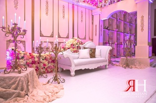Hilton_RAK_Engagement_Female_Photographer_Dubai_UAE_Rima_Hassan_decoration_stage_kosha