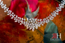 al-jawaher_sharjah_wedding_female_photographer_dubai_uae_rima_hassan_bridal_jewelry_necklace