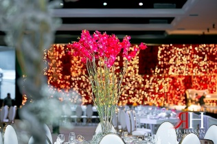 al-jawaher_sharjah_wedding_female_photographer_dubai_uae_rima_hassan_kosha_stage_decoration_centerpiece_forever